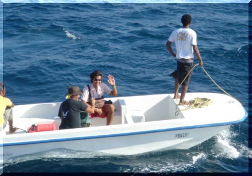 FRPボート モルディブ