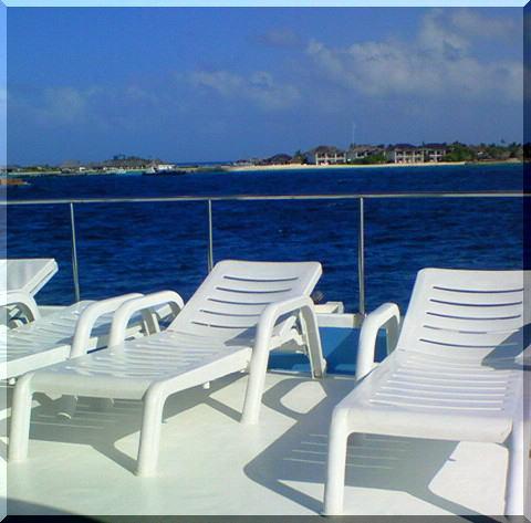 船の甲板 モルディブ
